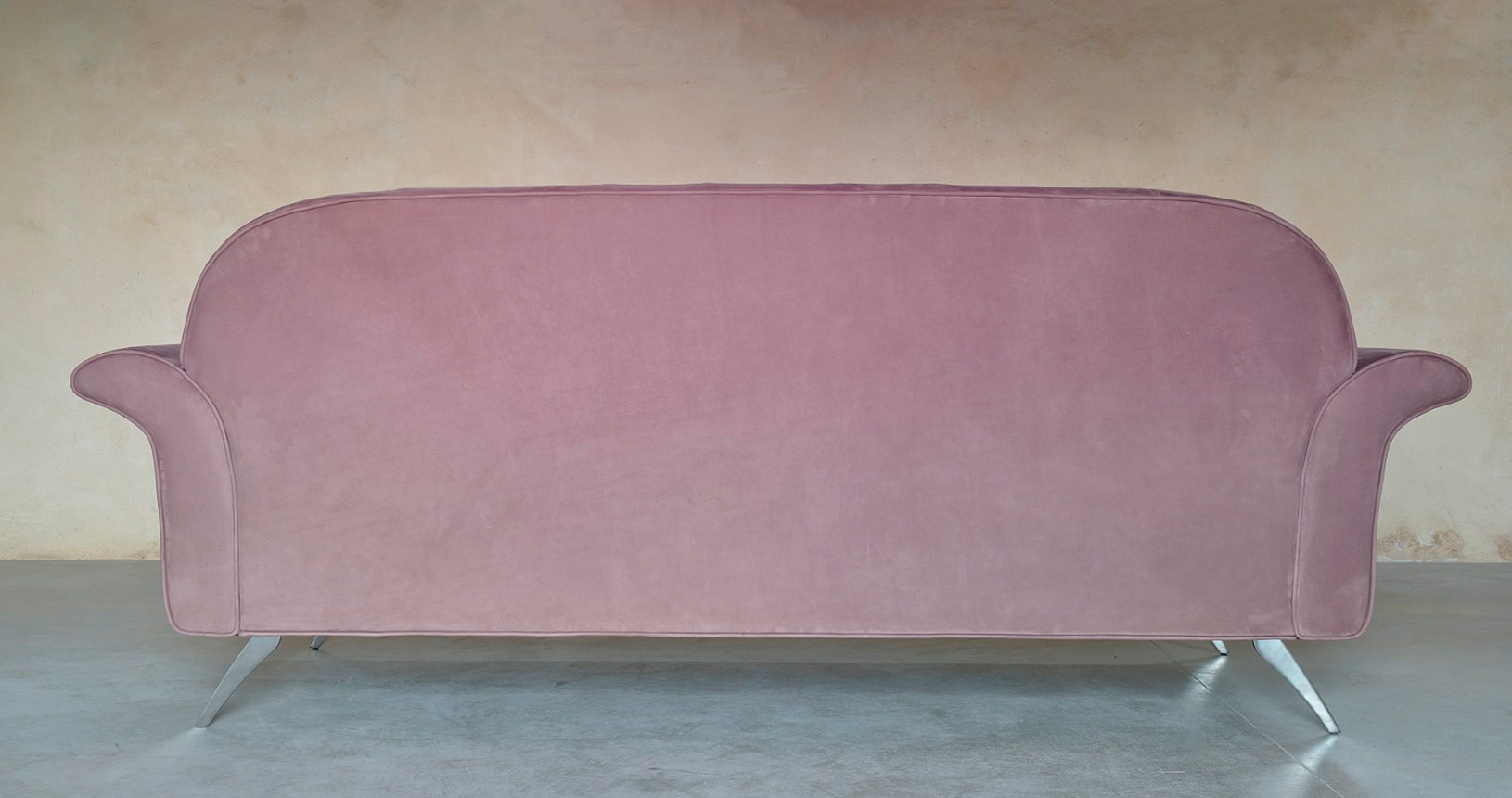 saffo-particolare-schienale-pelle-divanileone-follina